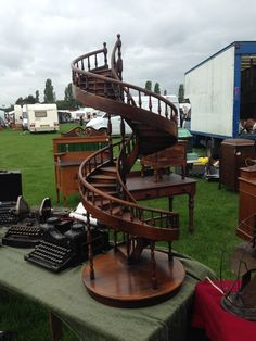 Pride of Lincoln Antique Fair | Robertson Gallery and Antiques