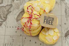829 Gluten Free Orange cookies with Polenta Polenta Recipes, Gf Recipes, Gluten Free Recipes, Baking Recipes, Gluten Free Sweets, Gluten Free Cookies, Gluten Free Baking, Orange Cookies, Cookie Brownie Bars
