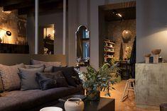 ATELIER RUE VERTE , le blog: Lyon / Maison Hand ouvre son restaurant / Showroom, Rue Verte, Lyon, Restaurant, Architecture, Decoration, Table, Living Room, Mirror