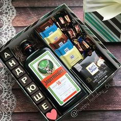 Mens Bday Gifts, Bf Gifts, Diy Gifts For Friends, Best Friend Gifts, Gift Box For Men, Gift Baskets For Men, Best Gifts For Him, Presents For Boyfriend, Boyfriend Gifts
