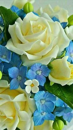 Lovely combination of. flowers!