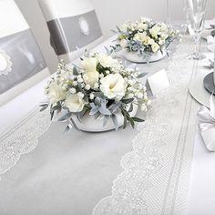 dekoracje komunijne, dekoracje na Komunię, srebrne dekoracje komunijne, zaproszenia komunijne, upominki dla gości