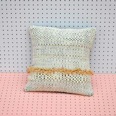 almohadón en telar / woven pillow