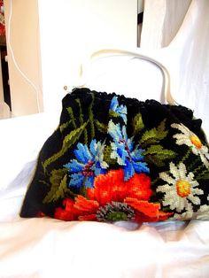 geanta goblen flori de camp cusut manual cu tortite metalice