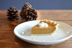 This irresistible Vegan Pumpkin Pie is the perfect dessert recipe to please your holiday mood. The only Pumpkin Pie that is full of delicious divine flavors. Sugar Free Pumpkin Pie, Vegan Pumpkin Cookies, Pumpkin Ice Cream, Pumpkin Pie Recipes, Cake Recipes, Dessert Recipes, Party Recipes, Shot Recipes, Pudding Recipes