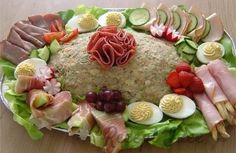 """huzarensalade (potato, meat and fresh vegetables salad), in Brabant we call it """"koude schotel"""". I make it often, our potato salads are a complete meal. Salad Recipes, Snack Recipes, Healthy Recipes, Typical Dutch Food, Dutch Recipes, English Food, Corned Beef, Vegetable Salad, Fresh Vegetables"""