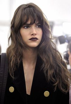 Bangs area unit the best designs for ladies lately. So, giving an excellent concern, we've got aimed to possess a set of ten nice Wavy Bangs will enhance Your Hairstyles. Take a glance and don't miss! Wavy Bangs, Long Hair With Bangs, Haircuts For Long Hair, Haircuts With Bangs, Straight Bangs, Full Fringe Long Hair, Curly Hair With Fringe, Long Wavy Hairstyles, Full Fringe Hairstyles