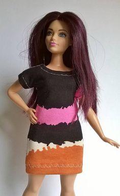 Interesting patterned curvy Barbie dress in color blocking