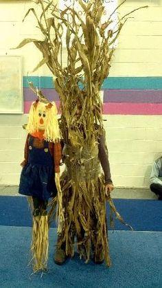 Corn Stalks- awesome costume idea LOL