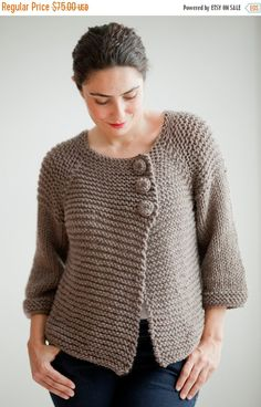 Brown Retro Cardigan by Afra por afra en Etsy Plus Size - Over Size Sweater Dark Gray - Red Hand Knitted Sweater with Pocket Tunic - Sweater Dress by Afra This cardigan is hand knit. It is made with wool and acrylic yarn. It is light weight. Crochet Cardigan Pattern, Crochet Jacket, Sweater Knitting Patterns, Free Knitting, Crochet Buttons, Hand Crochet, Knit Crochet, Hand Knitted Sweaters, Knitted Poncho