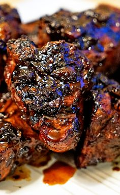 Roasted Garlic Balsamic Glazed Lamb Loin Chops - Kevin Is Cooking Marinade Porc, Lamb Chops Marinade, Lamb Loin Chops, Grilled Lamb Chops, Grilled Beef, Pork Chops, Goat Recipes, Lamb Chop Recipes, Cooking Recipes