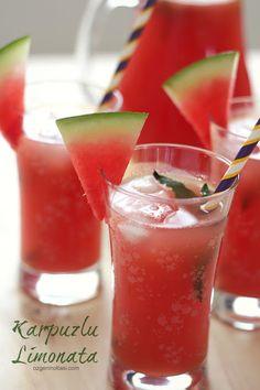Karpuzlu Limonata / Özge'nin Oltası (Watermelon Lemonade) You can't have a celebration without n Non Alcoholic Drinks Lemonade, Fruit Drinks, Drinks Alcohol Recipes, Fruit Smoothies, Summer Drink Recipes, Summer Drinks, Cocktail Recipes, Watermelon Cooler, Watermelon Lemonade
