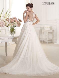 Tarik Ediz Wedding Dresses 2014 Collection Part I. To see more: http://www.modwedding.com/2014/08/05/tarik-ediz-wedding-dresses-2014-collection-part/ #wedding #weddings #wedding_dress