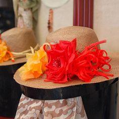 Fiori in seta realizzati a mano petalo dopo petalo! #livorno #hat #bolero #cloche #moda #ragazza #tuscany #moda #street #artigianato #artigian #cappello #hat #matrimonio #instaitalia #instaitaly_photo #instaitaliangirl #madeinitaly