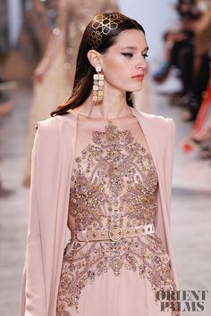 Elie Saab – 116 photos - the complete collection Fashion Week, High Fashion, Fashion Show, Fashion Design, Couture Dresses, Fashion Dresses, Elie Saab Spring, Elie Saab Couture, Rebecca Taylor