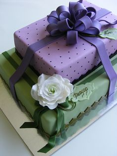 Giftboxes cake by bubolinkata, via Flickr