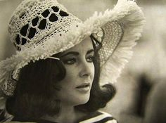 """Elizabeth Taylor on the set of """"The Only Game in Town"""""""