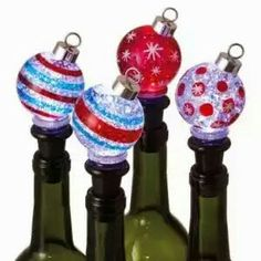 A great bottle of wine and a set of these lighted Christmas Shimmer Bottle Toppers that light up and by terryodette. Wine Bottle Gift, Wine Bottle Stoppers, Wine Bottle Crafts, Bottle Bottle, Lighted Wine Bottles, Bottle Lights, Homemade Christmas Gifts, Christmas Crafts, Christmas Parties