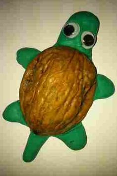 Modelando animales de plastilina: Tortuga Art For Kids, Crafts For Kids, Arts And Crafts, Playdough Activities, Autumn Nature, Baby Boy Rooms, Play Doh, Nature Crafts, Stop Motion