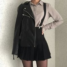 Korean fashion has been trending for many years, and it's for good reasons. With Korean's approach to outfits, accessories, and shoes, it is no doubt how many people search for Korean fashion trends for great looks. Edgy Outfits, Korean Outfits, Mode Outfits, Grunge Outfits, Fashion Outfits, Fashion Ideas, Korean Clothes, Fashion Pictures, Women's Clothes