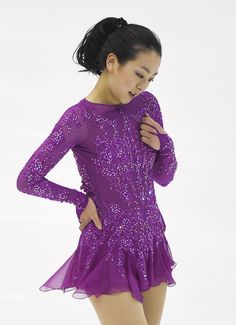 Photo shows three-time world champion Mao Asada, who stepped out of her opening triple axel and under-rotated the ensuing triple flip in combination to place fifth during the women's short program at the Japanese national championships on Dec. 26, 2015, at Makomanai Ice Arena in Sapporo. Defending champion Satoko Miyahara has taken a comfortable lead. (Kyodo) (1239×1711)