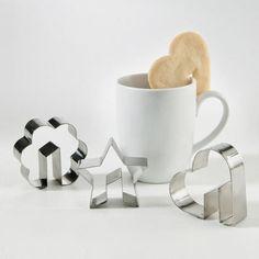 カップの縁に引っかけるクッキーが作れる型【Heart Side-of-the-Cup Cookie Cutter】