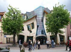 25 gebouwen die misschien niet allemaal mooi zijn, maar in ieder geval wel opvallen door hun bizarre of buitengewone vorm.