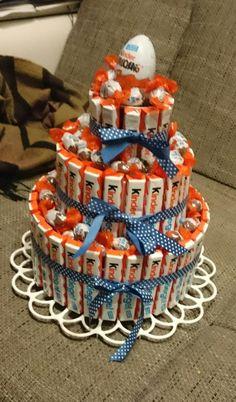 Wunderschöne Kinderschokoladen - Torte, raffiniertes Geburtstagsgeschenk.