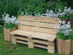 Cute Pallet Planter  #garden #palletplanter #recyclingwoodpallets   Planter made out of repurposed wooden pallets. Often when making things out of pallets, separating the slats from the pallet beams takes time, and...                                                                                                                                                     More