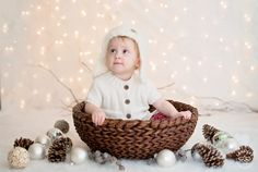 Mia – White Christmas Mini-Session - Seattle Children Photography. Christmas, holiday children picture ideas.