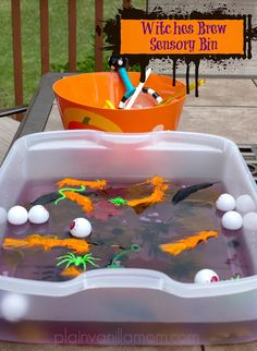 Plain Vanilla Mom: A fun Halloween Sensory bin paired with a cute song... Stirring Our Brew #Halloween