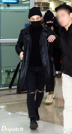 G-Dragon Blinded by Photographers Upon arrival at Gimpo Airport? - bigbangupdates