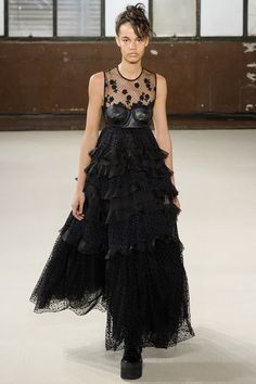See the complete Giamba Fall 2016 Ready-to-Wear collection.