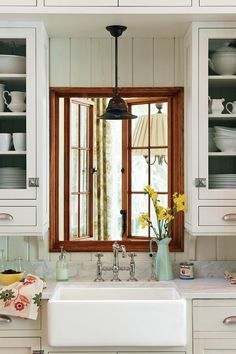 Crisp & Classic White Kitchen Cabinets: New (Old) White Cabinets