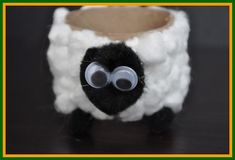 Old MacDonald had a farm! On his farm he had a sheep!!    Learn to make the critters from his farm: www.easy-crafts-for-kids.com/farm-crafts-for-kids.html