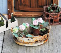 WOW! These hobbyists are sooo creative! Here is a picture tutorial on how to make this awesome container. Credit to Christel Jensen!