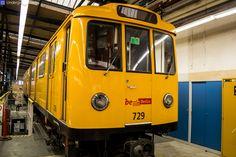 Aufgenommen in der Betriebswerkstatt Grunewald (Bw Gru) des U-Bahn Kleinprofilnetzes am Olympia-Stadion Berlin.A3L71 Wagen 729 Berlin 2015