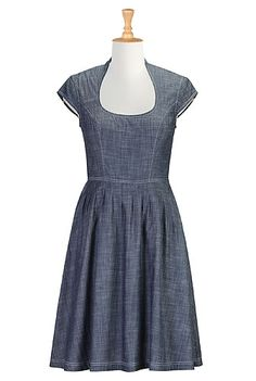 Forties Style Shirtdresses, Full Skirted Poplin Dresses Shop womens fashion design - Designer Fashion - Women's designer clothes and Modest Dresses Casual, Day Dresses, Dresses Online, Curvy Outfits, Curvy Clothes, Long Gown Dress, Custom Dresses, Custom Clothes, Chambray Dress
