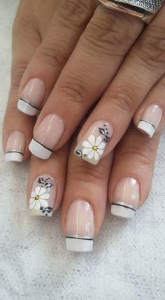 french manicure with flowery theme Square Nail Designs, Toe Nail Designs, Nail Polish Designs, Cute Nails, Pretty Nails, Hello Nails, Funky Nail Art, French Tip Nails, French Tips