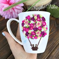 Mugs decorated with polymer clay - FImo DIY, polymer clay tutorials Cute Polymer Clay, Cute Clay, Polymer Clay Flowers, Fimo Clay, Polymer Clay Charms, Polymer Clay Projects, Polymer Clay Creations, Clay Crafts, Polymer Clay Jewelry