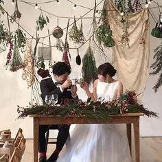 . アイデアで溢れたこだわりのウエディング。  お召し頂いたドレスは ボートネックでクラシカルな雰囲気ですが、 チュールのスカートで可愛らしさもプラスしたデザインです。 ・ 2017.6/6(tue)-6/11(sun) POP UP SHOP in FUKUOKA ・  #w_ange #ウーアンジュ#代官山#ウーアンジュpopup #fukuoka #福岡 #wedding#ウエディング #レストランウエディング #photowedding #weddingdress #ウエディングドレス#オリジナルドレス#ウエディングドレス選び#ドレス選び #オーダードレス#セミオーダードレス#レンタルドレス#前撮り#花嫁#福岡花嫁 #プレ花嫁#福岡プレ花嫁 #結婚準備#2017秋婚 #2017冬婚 http://gelinshop.com/ipost/1519319169534777634/?code=BUVtLwoj9ki