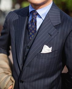"frankts-gentlemens-manual: "" sprezzariaz "" Dapper Gentleman, Gentleman Style, Best Mens Fashion, Suit Fashion, Sharp Dressed Man, Well Dressed, Terno Slim, Mode Costume, Evolution T Shirt"