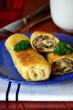Krokiety Z Kapustą I Pieczarkami - polish pancake rolls with cabbage and mushrooms I Love Food, Good Food, Yummy Food, Beef Recipes, Vegetarian Recipes, Cooking Recipes, Eastern European Recipes, Polish Recipes, Polish Food
