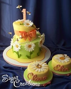 Do I have to be 1, or have a birthday? Daisies, bees, yellow cakes, what's not to love.