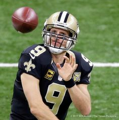 Drew Brees, ♥♥ New Orleans Saints host Los Angeles Rams 2016 ~ New Orleans Saints quarterback Drew Brees (9) warms up before the Saints host the Rams at the Mercedes-Benz Superdome in New Orleans Sunday, November 27, 2016. (Photo by David Grunfeld, NOLA.com | The Times-Picayune)
