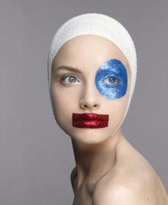 5 Richard Burbridge, Make Carnaval, Festival Make Up, Glitter Make Up, Glitter Face, Glitter Eyeliner, Blue Glitter, Make Up Inspiration, Make Up Art