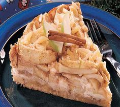 Apple Danish Cheesecake - A great recipe for the diabetics who continue to crave good desserts. This Apple Danish Cheesecake is extremely diabetic-friendly. And it's delicious too Diabetic Desserts, Diabetic Recipes, Fun Desserts, Delicious Desserts, Dessert Recipes, Cooking Recipes, Yummy Food, Diabetic Menu, Cooking Tips