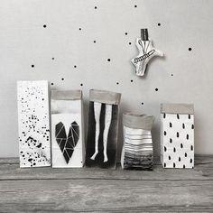 Paper bags with legs motif for gifts or storage. Via en.DaWanda.com. // Repinned by Lunik2 www.lunik2.com