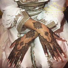 Curated by MaharaniLuxury.com | Home of Ready-to-wear Luxury Bridal False Lashes     Afghan Inspired Mendhi | Asian Bridal Mendhi Wedding Design Inspiration South Asian Indian Pakistani Bengali Bride   Via www.bodyart.ohadog.com/notitle-liirou-liirou-notitle/ Wedding Henna Designs, Pretty Henna Designs, Henna Hand Designs, Henna Tattoo Designs Simple, Eid Mehndi Designs, Latest Mehndi Designs, Henna Patterns Hand, Indian Wedding Henna, Pakistani Henna Designs