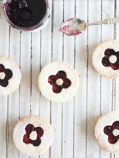 Coconut cookies with blueberry jam